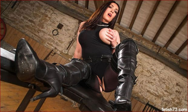 Miss Hybrid - Milf in leather boots on pictures with butt plug in ass [JPEG 2600x1733]