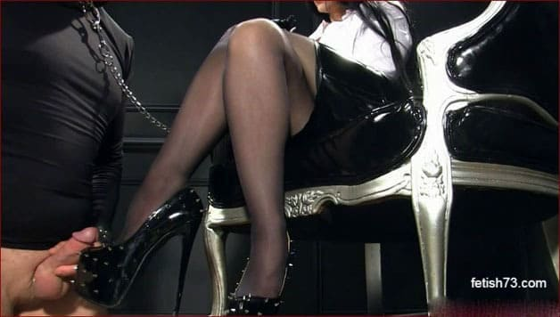 Mistress Nikita - Slave masturbation on my vulgar shoes [HD 720p]