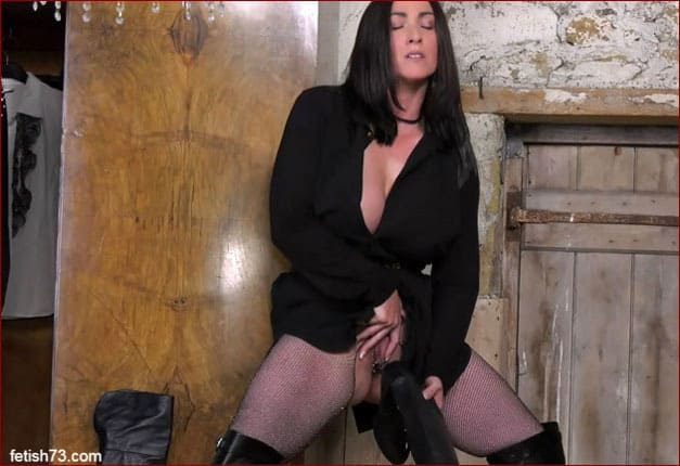 Miss Hybrid - Milf pussy fuck by pointed heel [FULL HD 1080p]