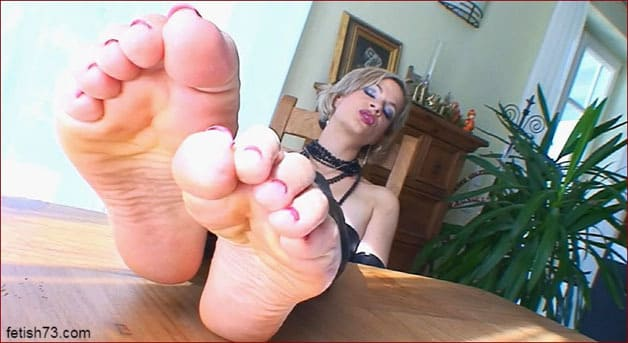FeetLady Nicole - Love is my legs [FULL HD 1080p]