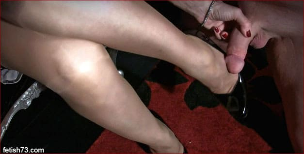 Mistress Nikita - Cum on hot legs chic Mrs [HD 720p]