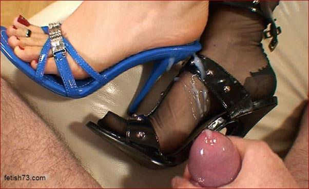 FeetLady Nicole - Cum on sleeping feet chic blonde [FULL HD 1080p / Nicole24-cam]