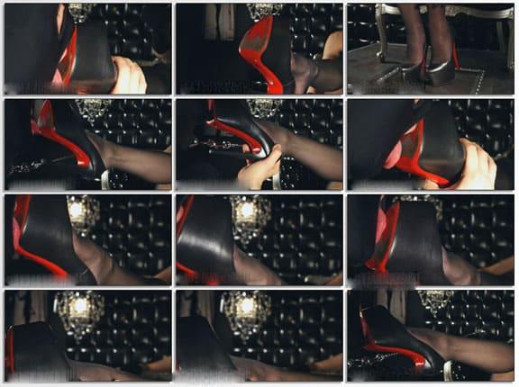 Slave licks soles