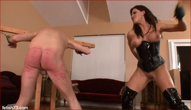 Leena Sky - Hard spanking from muscular mistress [HD 720p / ClubDom]