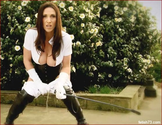 Miss Hybrid - Milf pissers in riding boots [FULL HD 1080p]