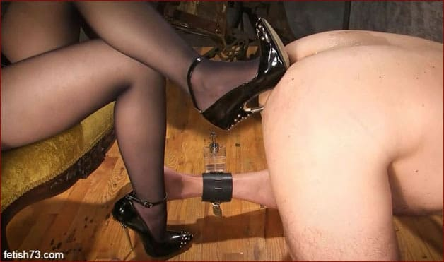 Mistress Nikita - Sexy ass holes for my shoes [FULL HD 1080p]