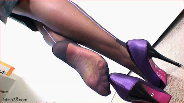 FeetLady Nicole - Foot fetish viedos with sexy secretary [FULL HD 1080p]