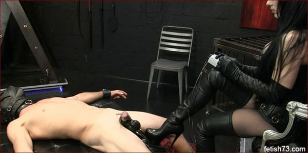 Mistress Nikita - Electrostimulation penis video from femdom in leather boots [HD 720p]