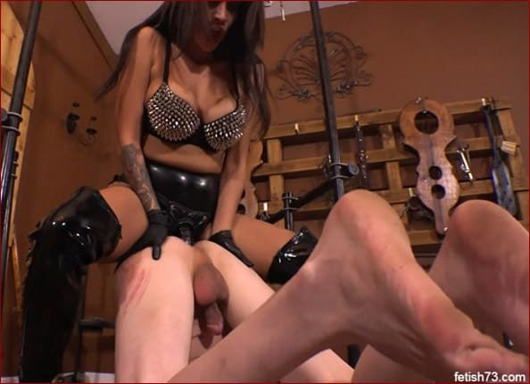 Jamie Valentine Is Active Ass Fucking Of Slave - HD 720p
