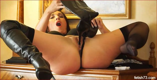 Milf Caresses Her Vagina Applying Heel Leather Boot - FULL HD 1080p
