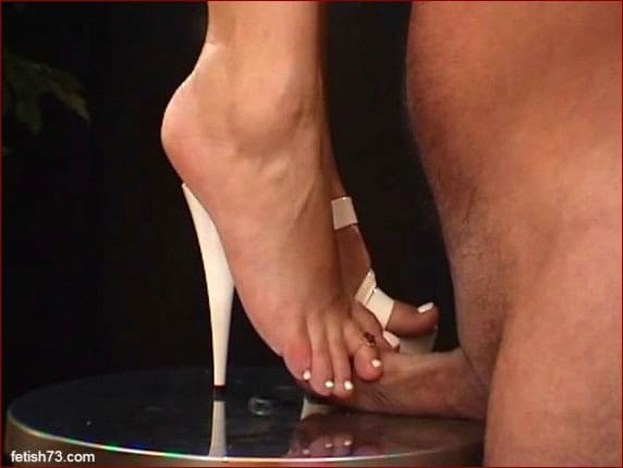 Feet Lady Nicole - Hard trampling and blowjob from blonde - MP4